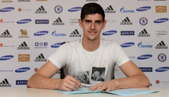 courtois-signs-new-deal.hero