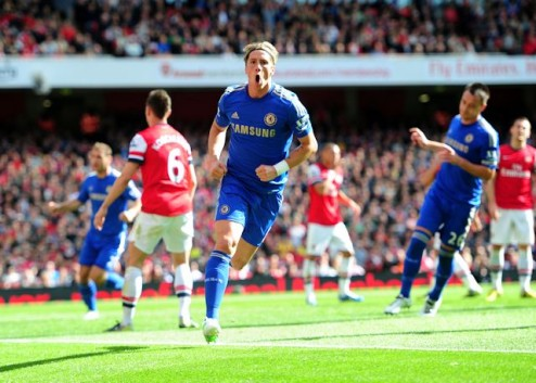 Chelsea's Fernando Torres celebrates scoring the opening goal