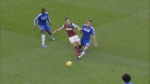ashley-barnes-nemanja-matic-burnley-chelsea_3268428